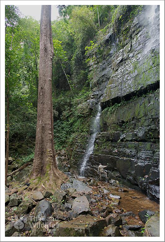 khao-ang-rue-nai-waterfall.jpg